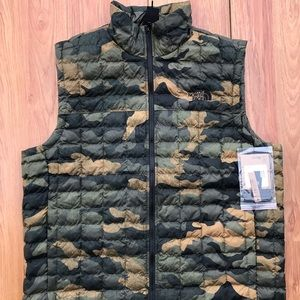 North Face Men ThermoBall Eco Vest Camo Sz XL NWT